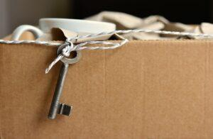 Résiliation du bail par le propriétaire : motifs, formalités et législation